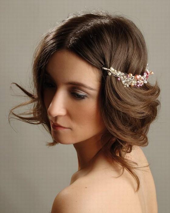 Прическа с накладными волосами небрежность 561