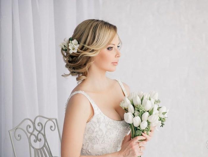 Свадебная прическа волосы с цветком